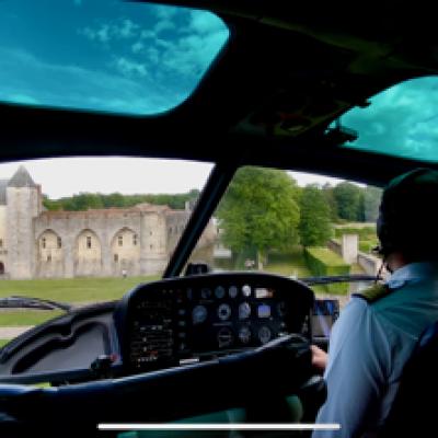 [15']Vol découverte de l'hélicoptère et du château de Farcheville