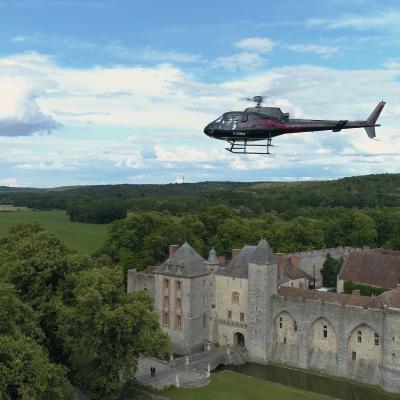 [15'] Vol découverte de l'hélicoptère et du château de Farcheville